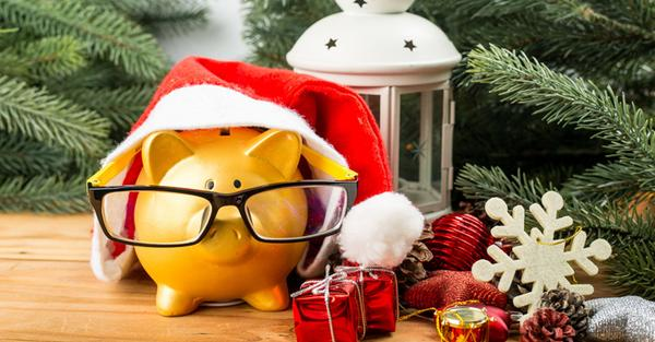 15 Tips to Save Money This Holiday Season