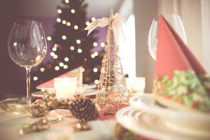soft-christmas-table-setting-picjumbo-com
