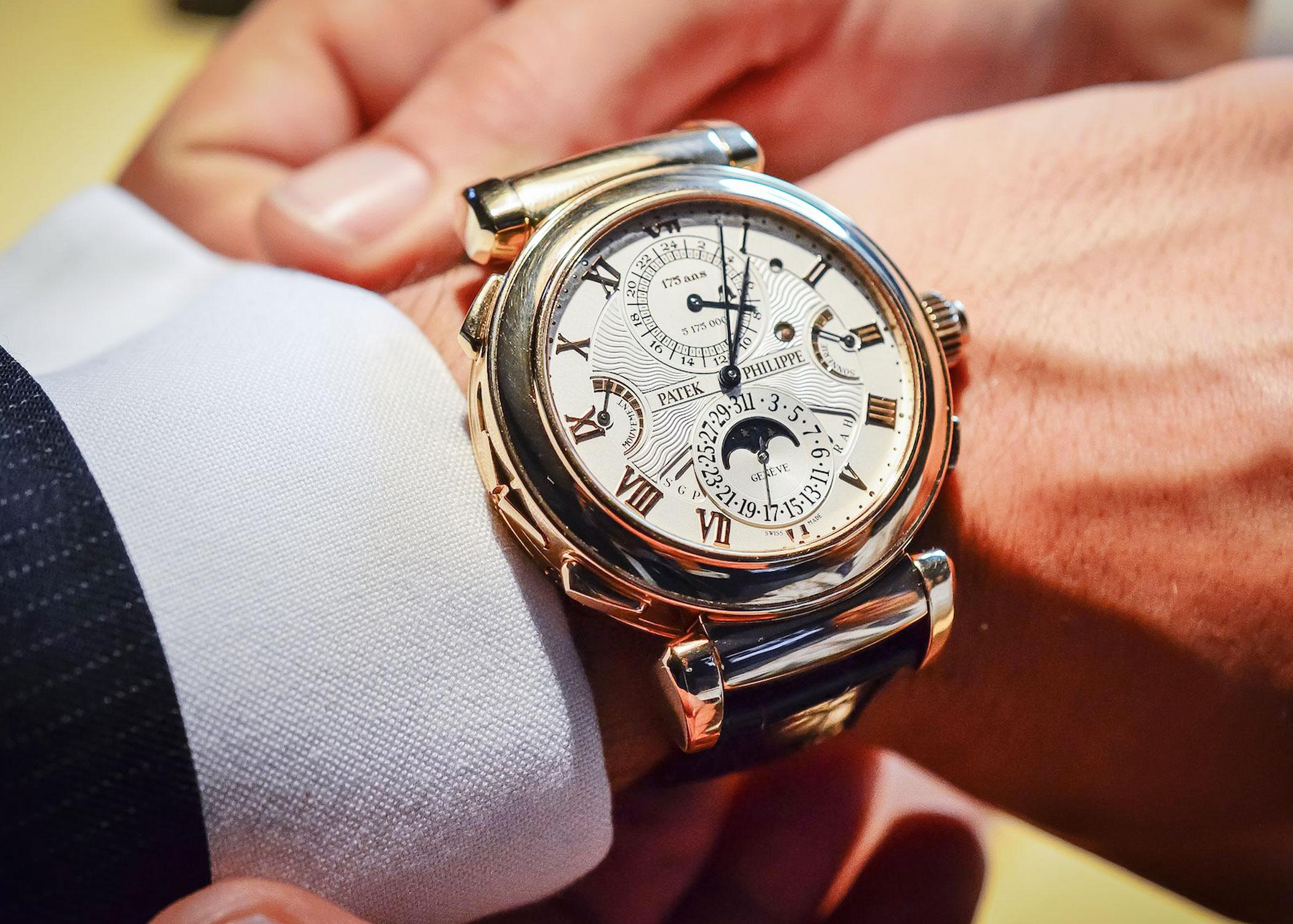 Час стоимость парня на часы ов швейцарских ломбард